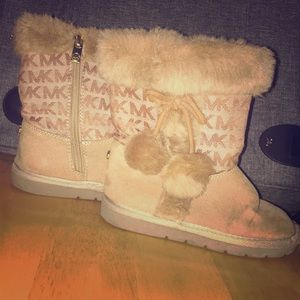Toddler used Michael kors boots